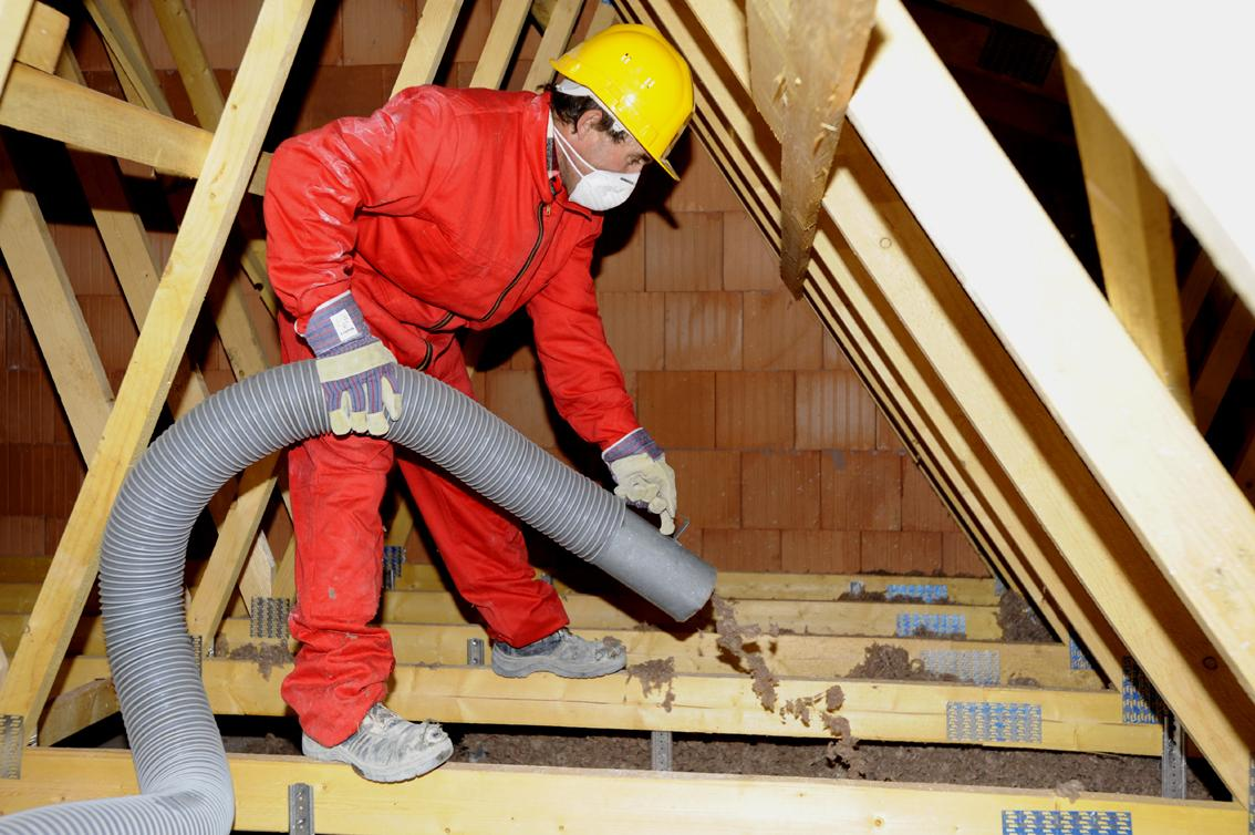 Isolation des combles – Isolation du toit – Laine de roche appliqué par soufflage